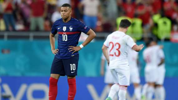 LIGUE 1 - Mbappé's mother denies holding secret meetings with journalists